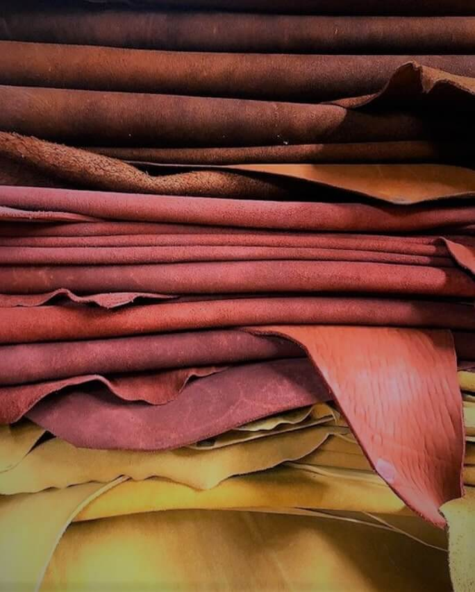 Bahan kulit asli untuk produk souvenir