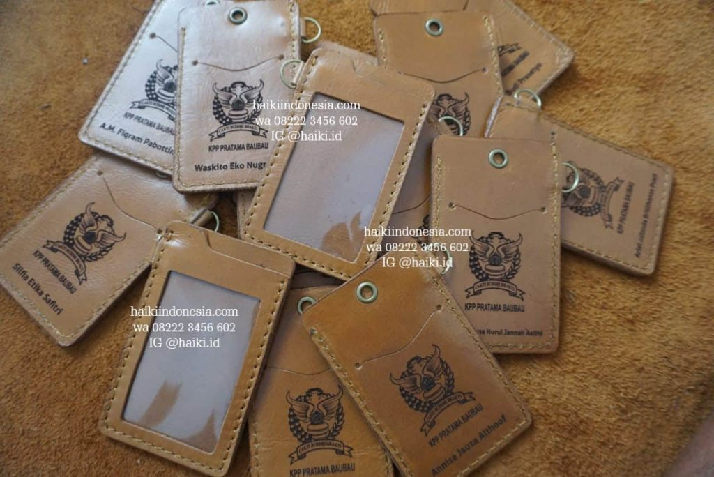 souvenir kantor pajak Baubau tempat id card kulit