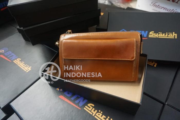 souvenir pajak pouch kulit