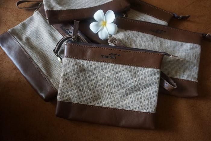 bikin souvenir bank mandiri clutch kulit kombinasi canvas