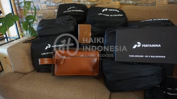 Pouch Bag kulit dan Agenda Kulit Pertaminan Balikpapan
