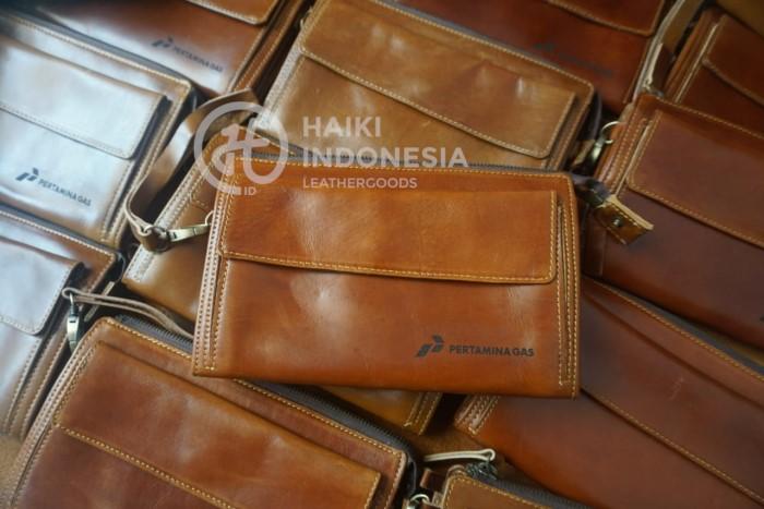 pouch bag kulit pertamina Samarinda