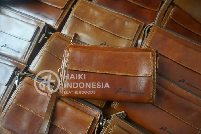 pouch bag kulit untuk souvenir perusahaan banjarmasin