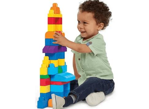 mainan bongkar pasang melatih kreativitas anak